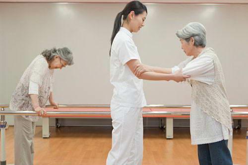 Vai trò của người điều dưỡng trong phục hồi chức năng